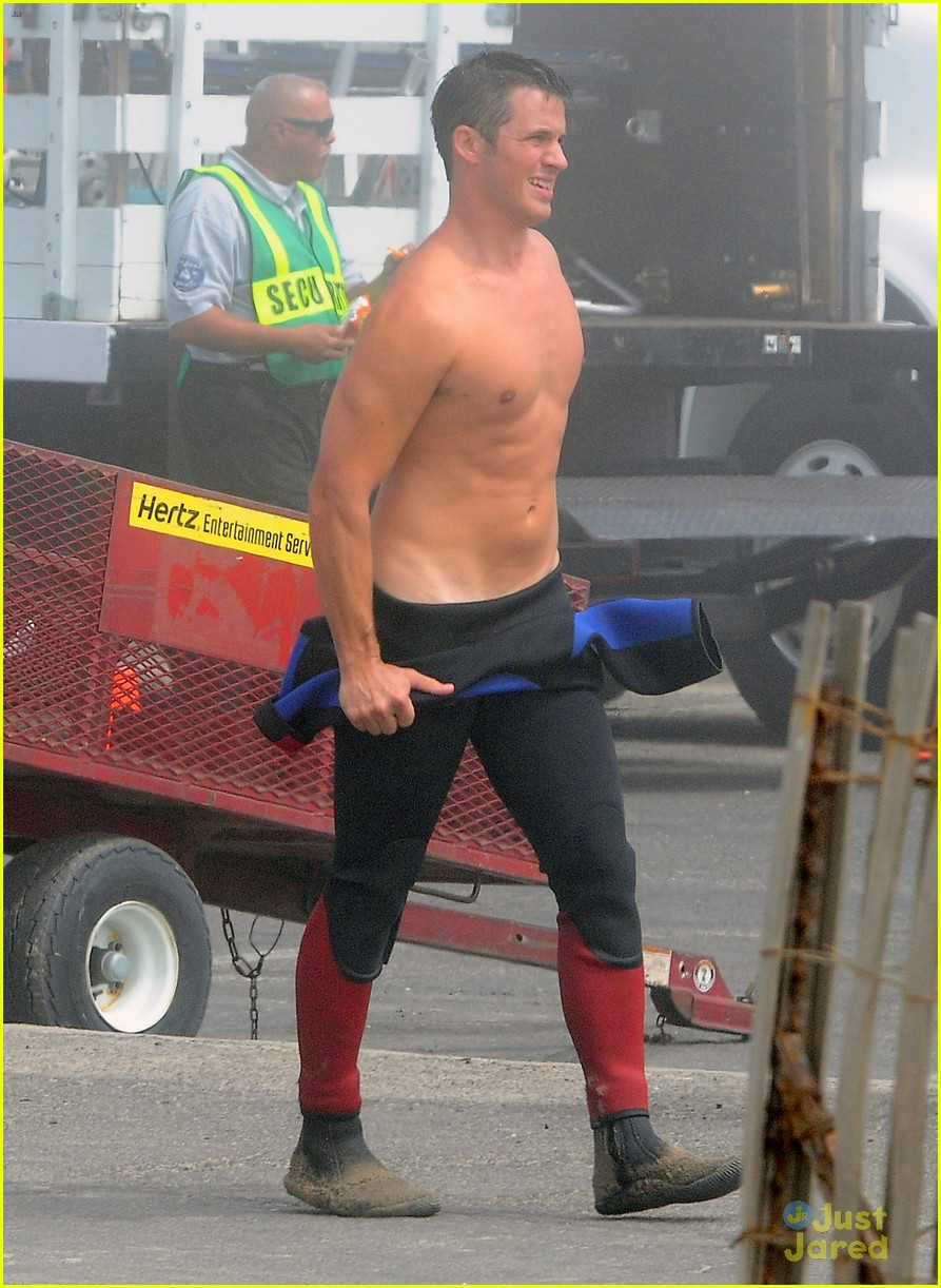 lanter shirtless 90210 04