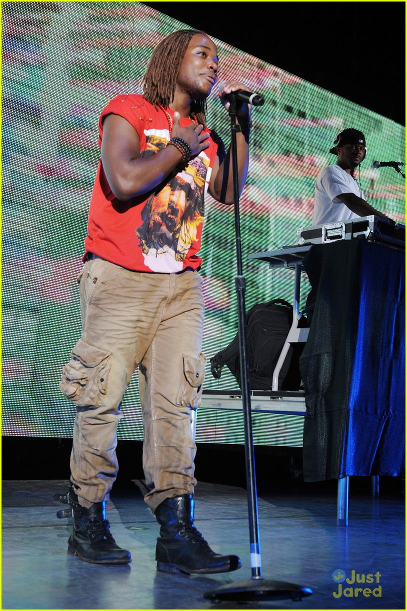 leon thomas fla concert 14