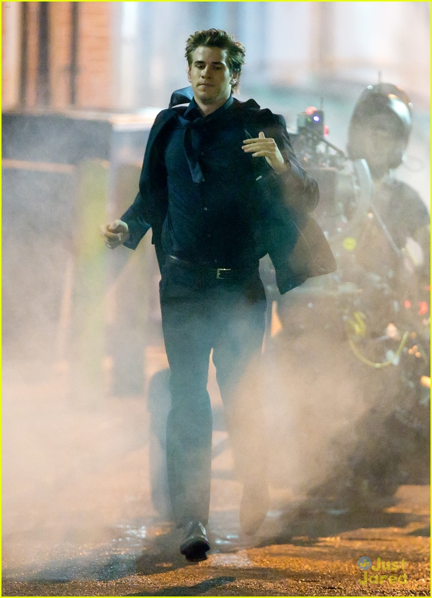 liam hemsworth run paranoia 07