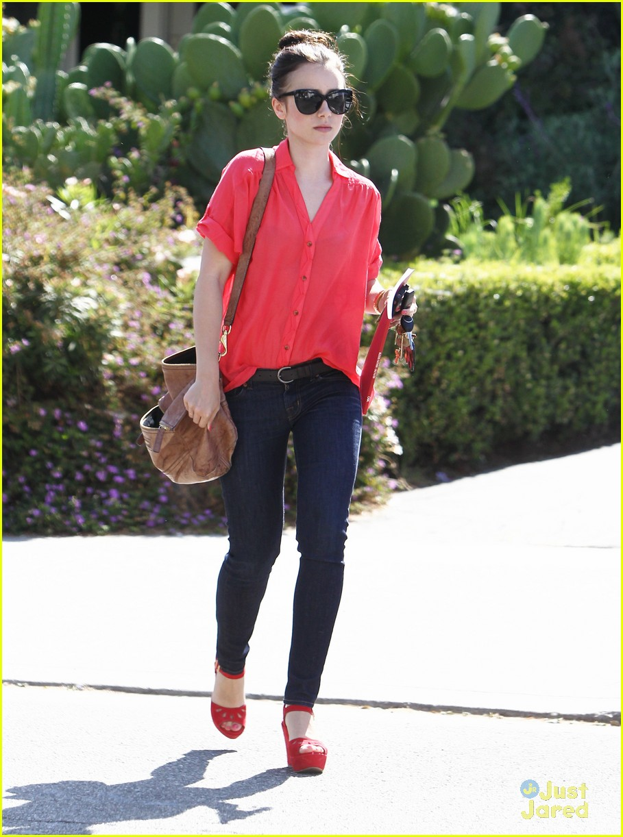 lily collins lunch red top 03