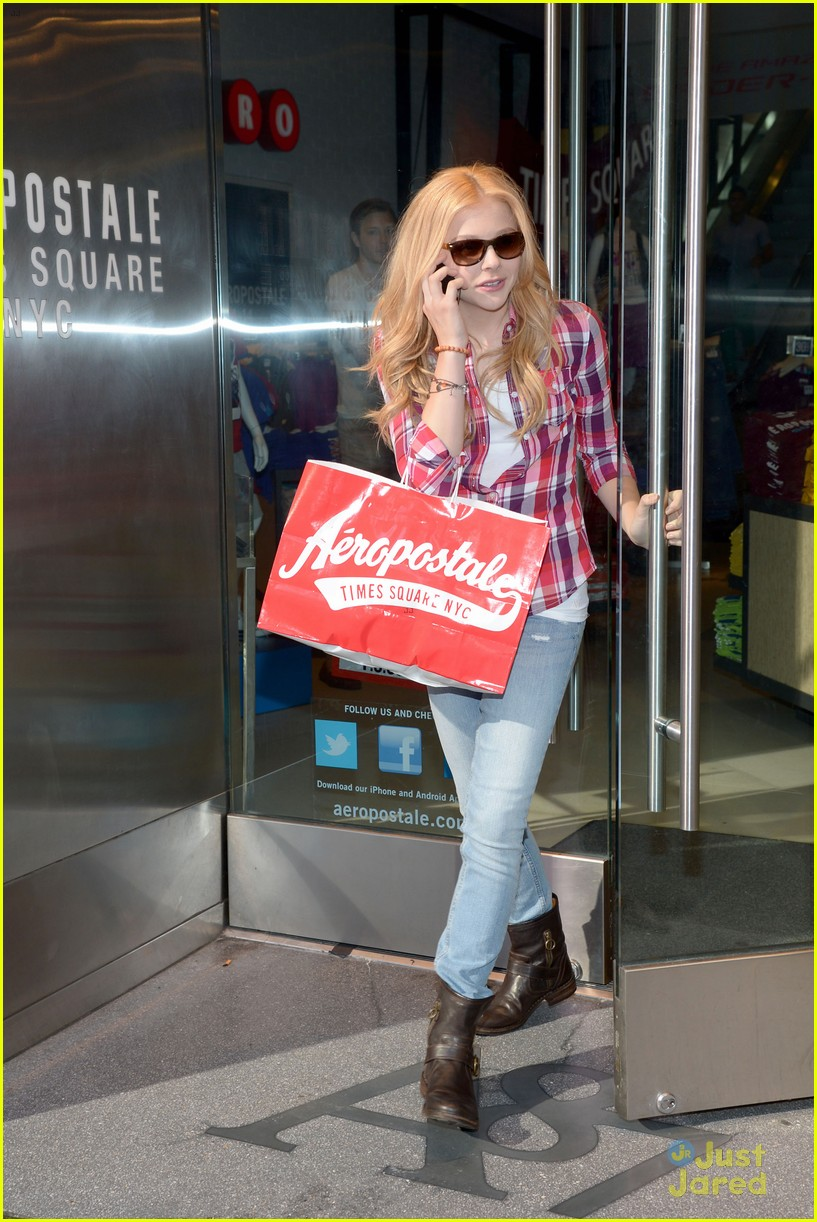 moretz shopping 05