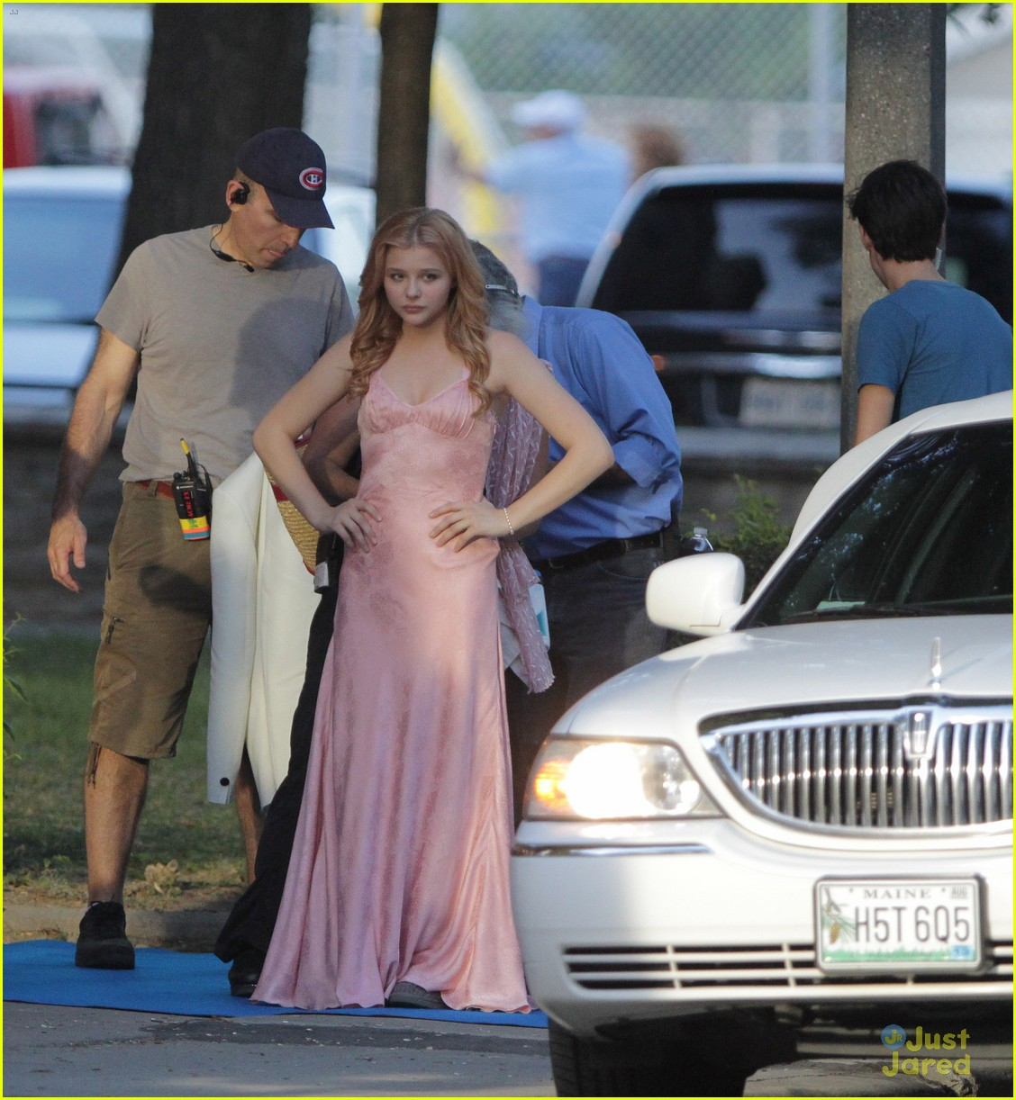chloe moretz blood soaked on carrie set 27