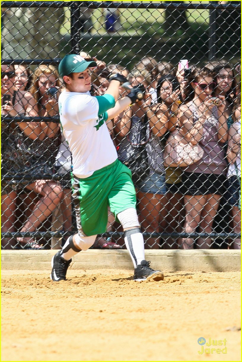 nick jonas wickets game 13