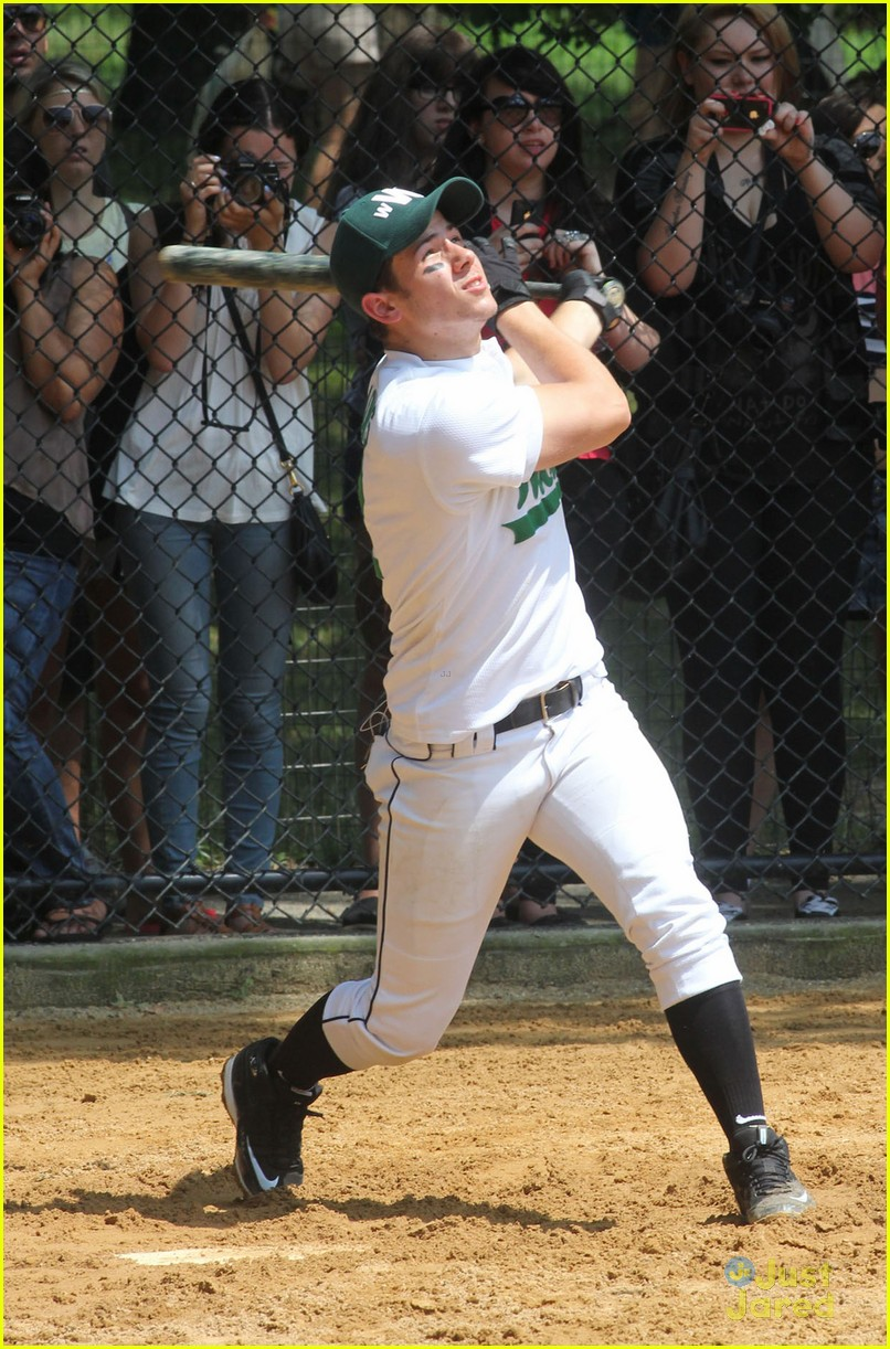 nick jonas wickets softball 10