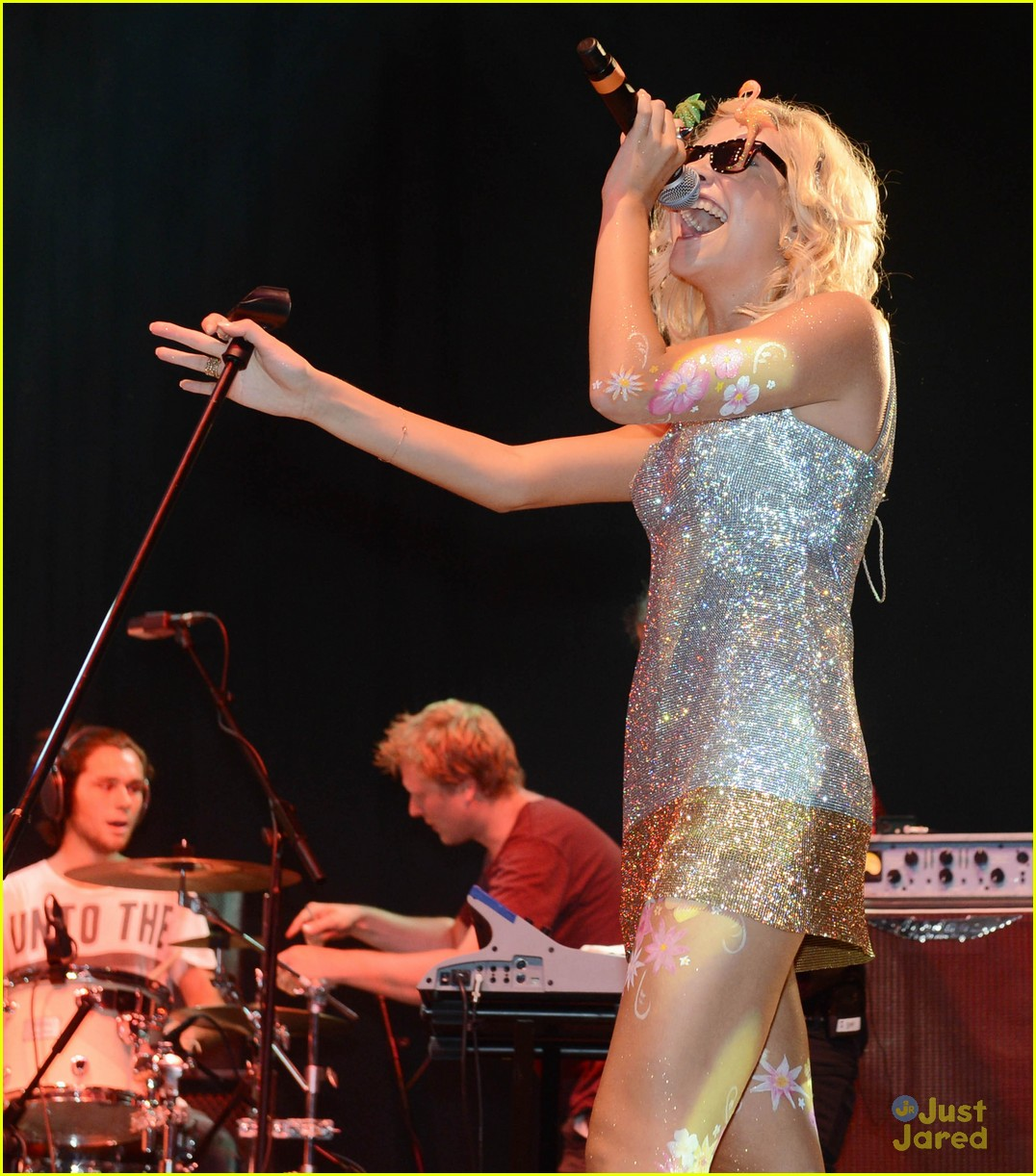 pixie lott painted flower legs 12