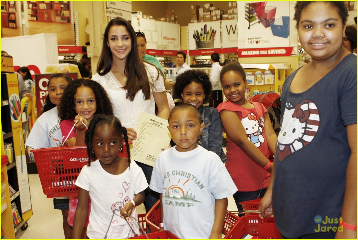 aly raisman office depot 07