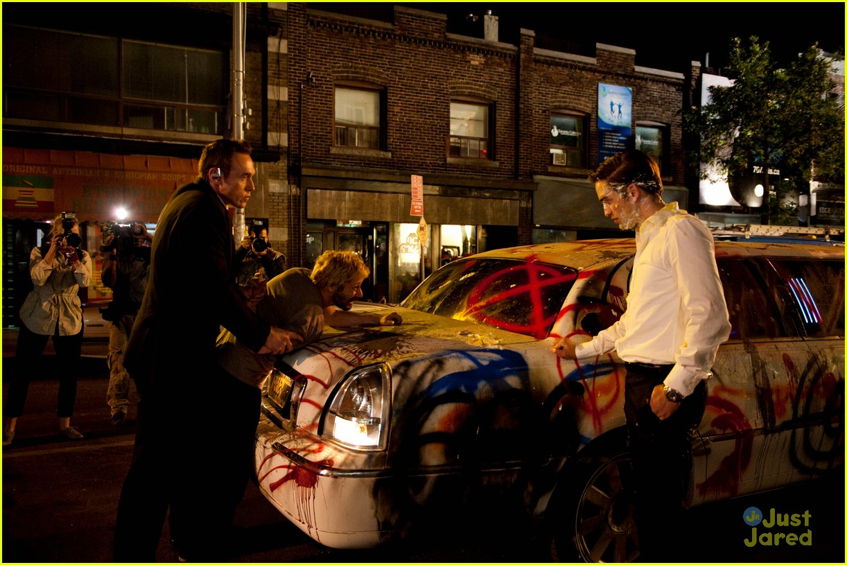 robert pattinson new cosmopolis pics 02