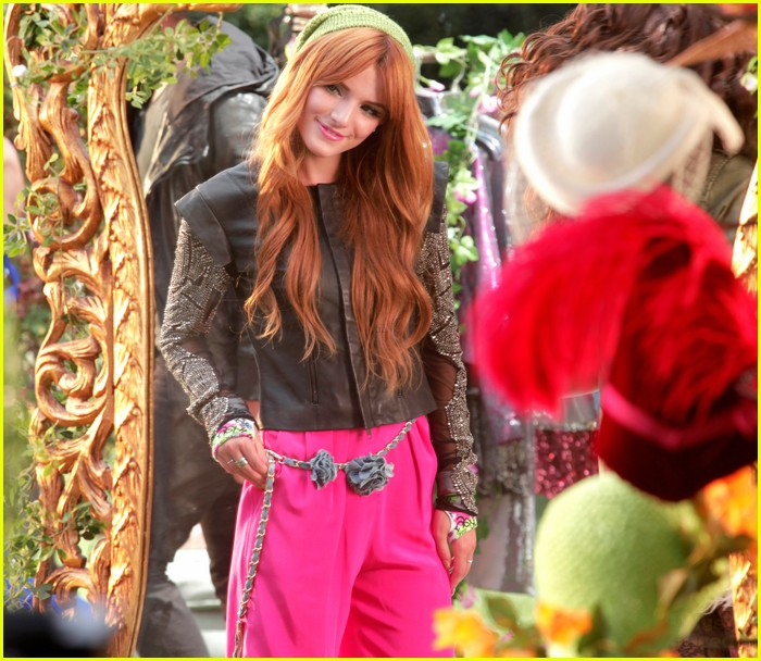 bella thorne zendaya fashion video pics 09