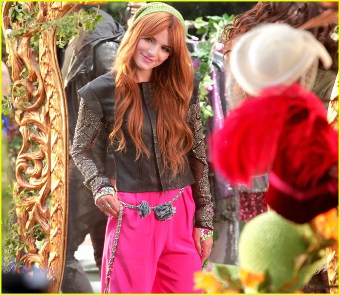bella thorne zendaya fashion video pics 09