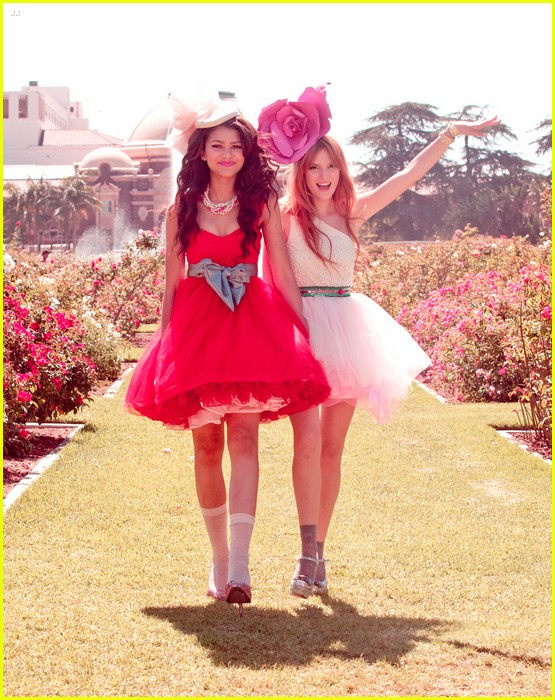 bella thorne zendaya fashion video pics 12