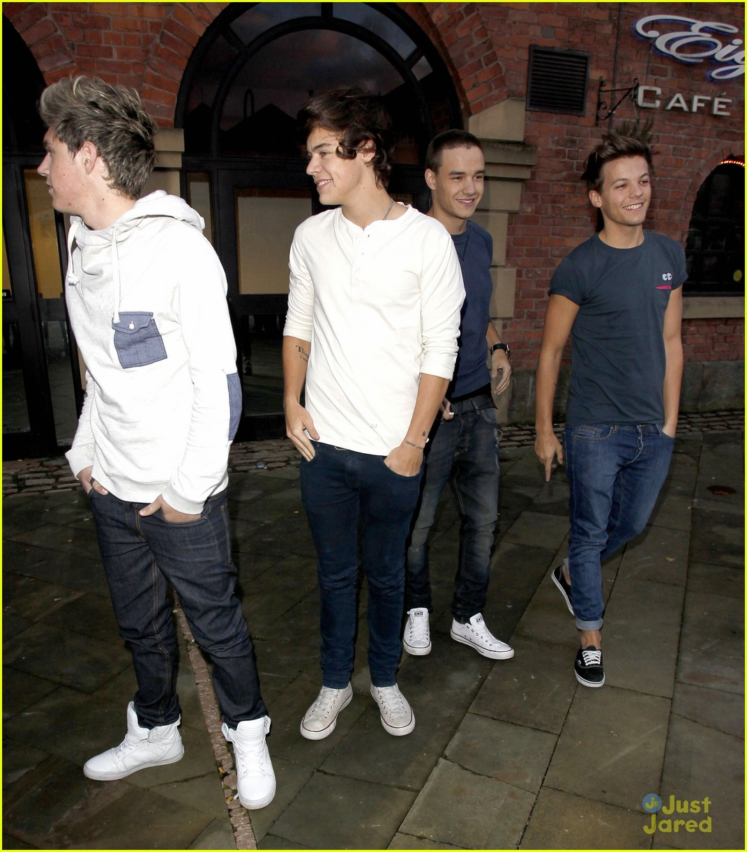 one direction key 103 arrival 05
