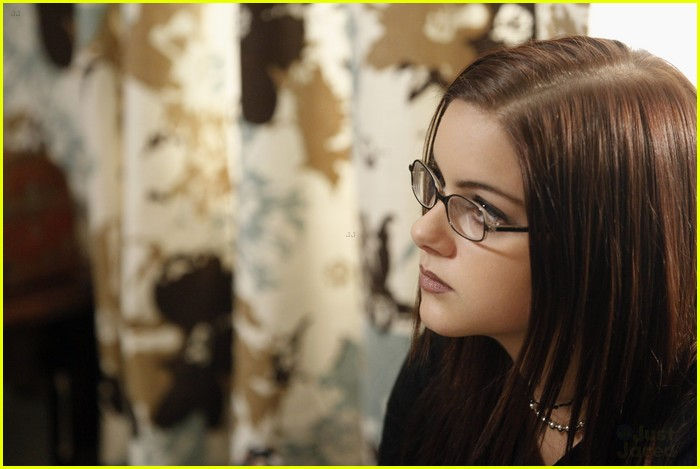 ariel winter goth modern family 15