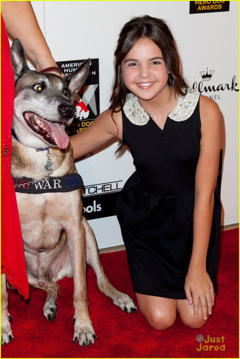 bailee madison jake t austin hero dog awards 04