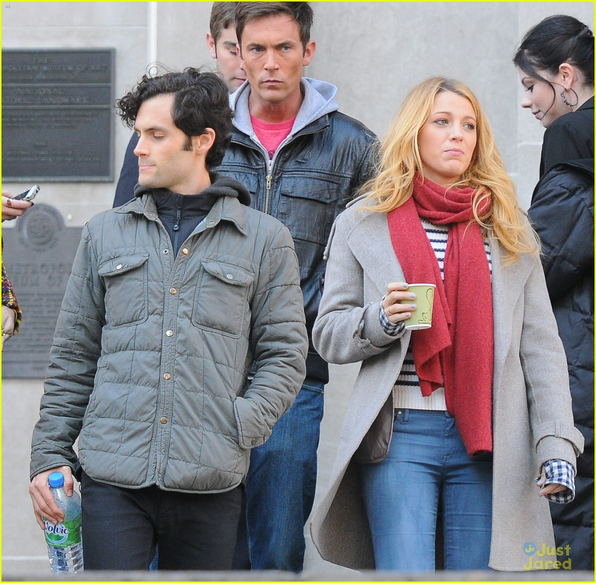 blake lively penn badgley gossip girl friday 03