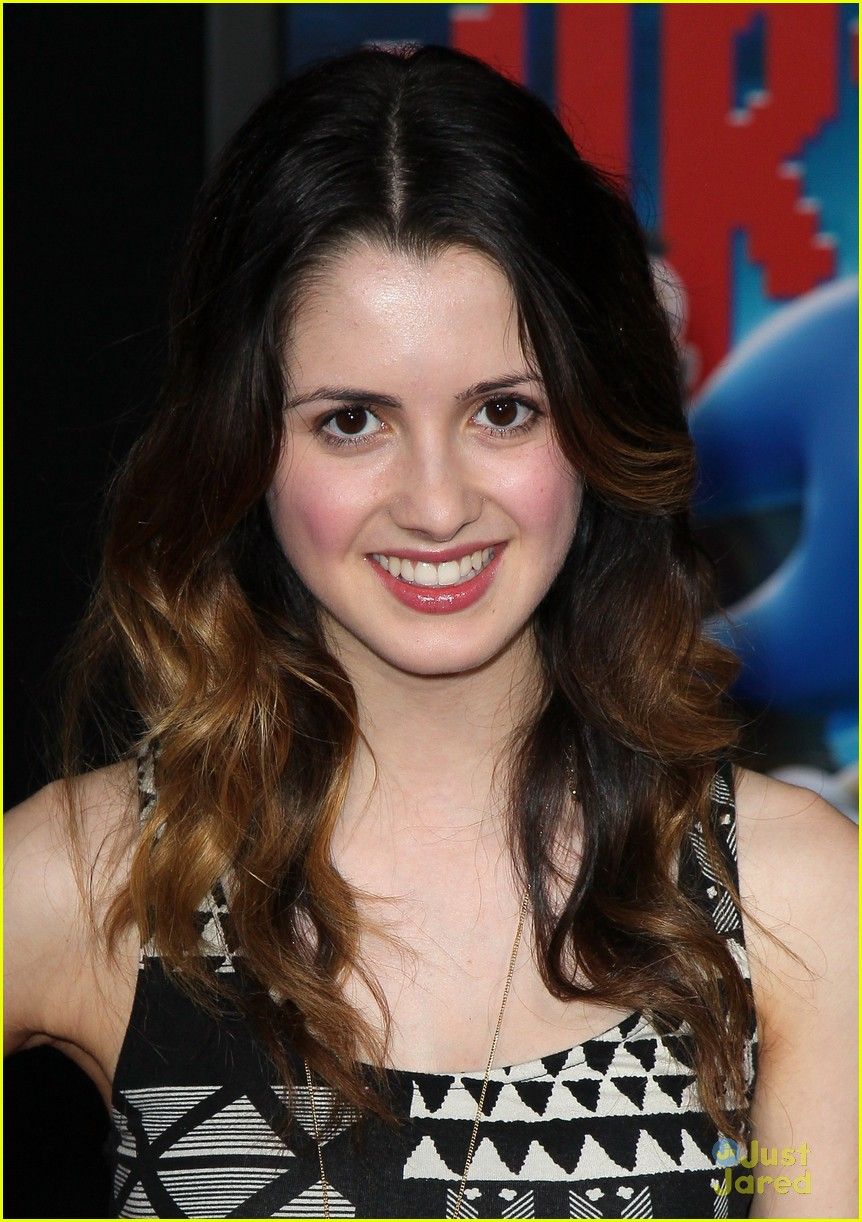 laura marano calum worthy ralph premiere 05