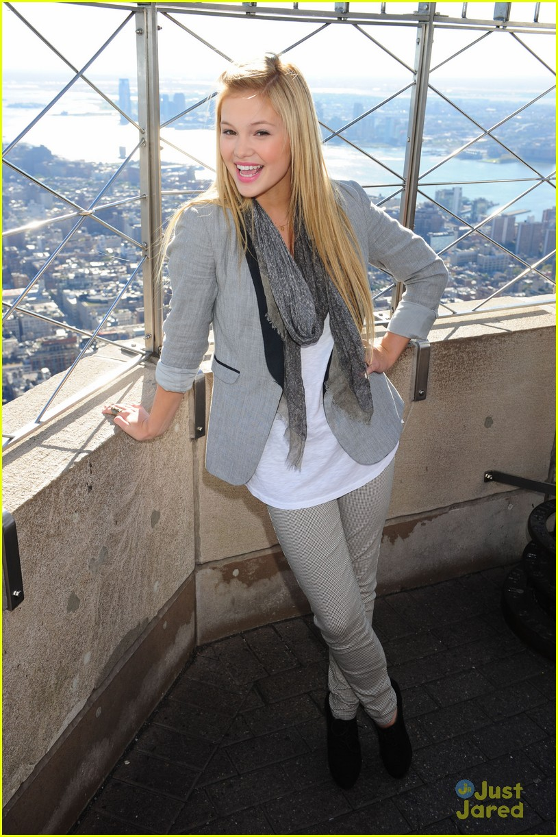 olivia holt empire state 02