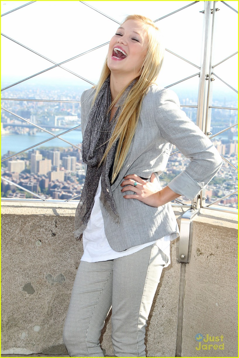 olivia holt empire state 07