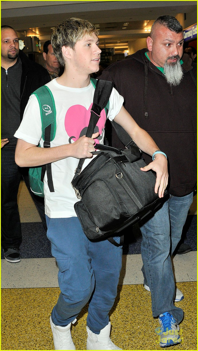 one direction jfk arrival 06
