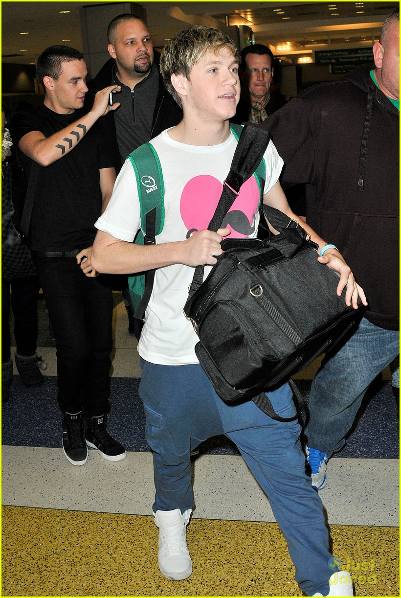 one direction jfk arrival 10