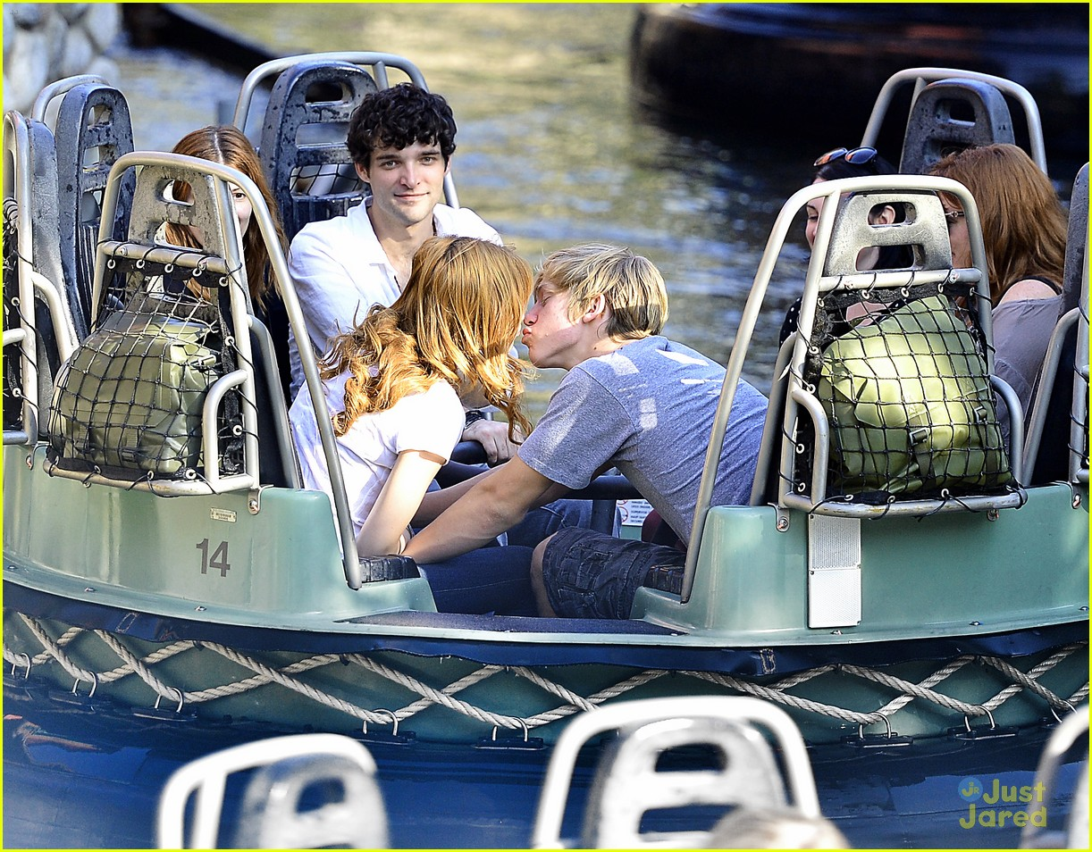 bella thorne tristan klier disneyland 02
