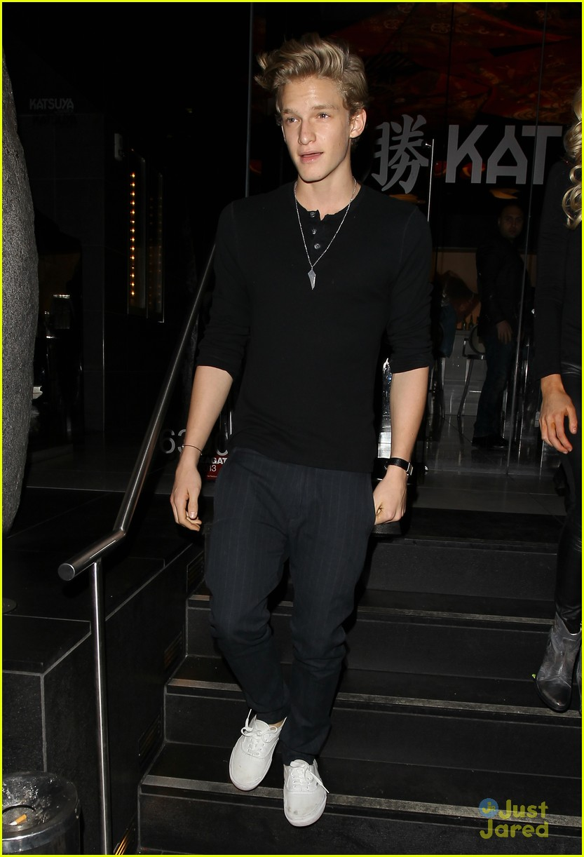 cody simpson katsuya dinner 06