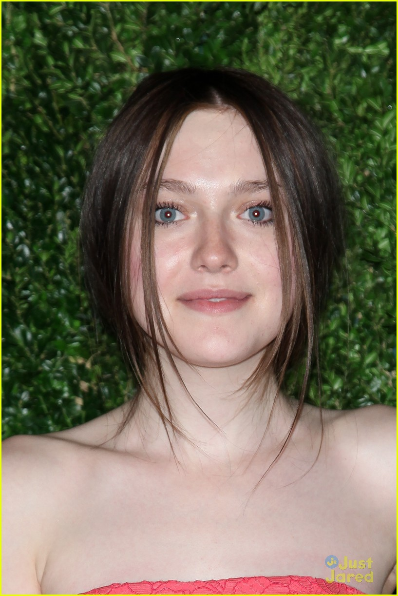 dakota fanning cfda fashion fund awards 06