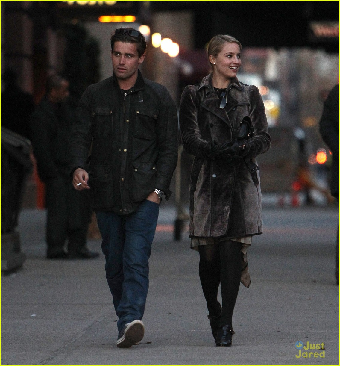 dianna agron christian cooke holding hands in nyc 03