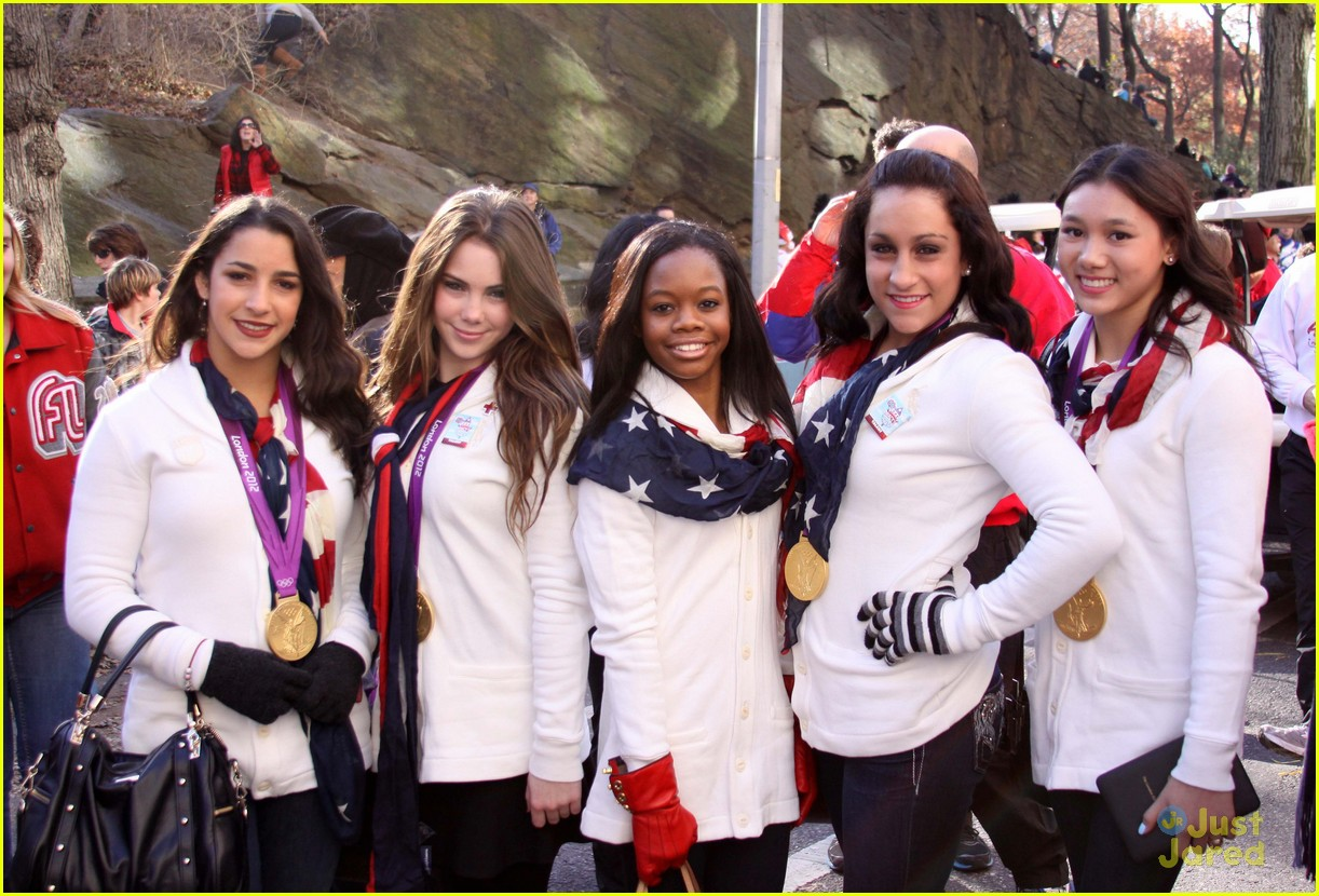 fierce five macys paraade 03