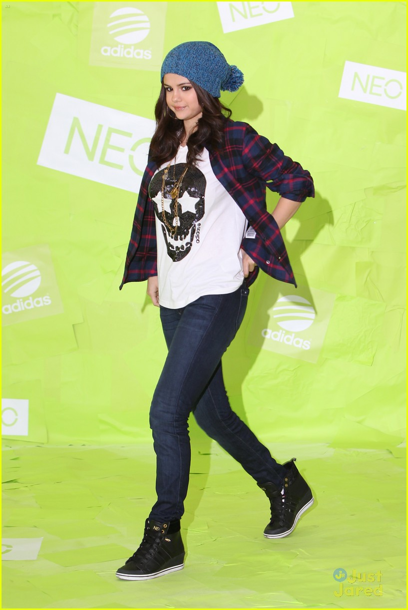 selena gomez adidas neo photo call 10