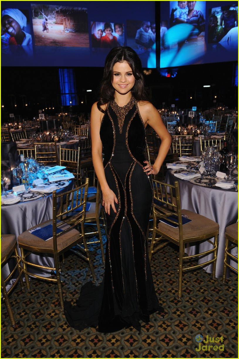 selena gomez unicef ball 05