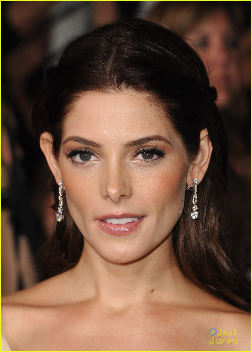 ashley greene bd premiere 14