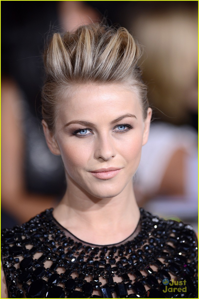 julianne hough bd premiere 13