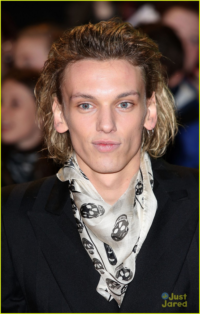 jamie campbell bower ella henderson twilight uk 08
