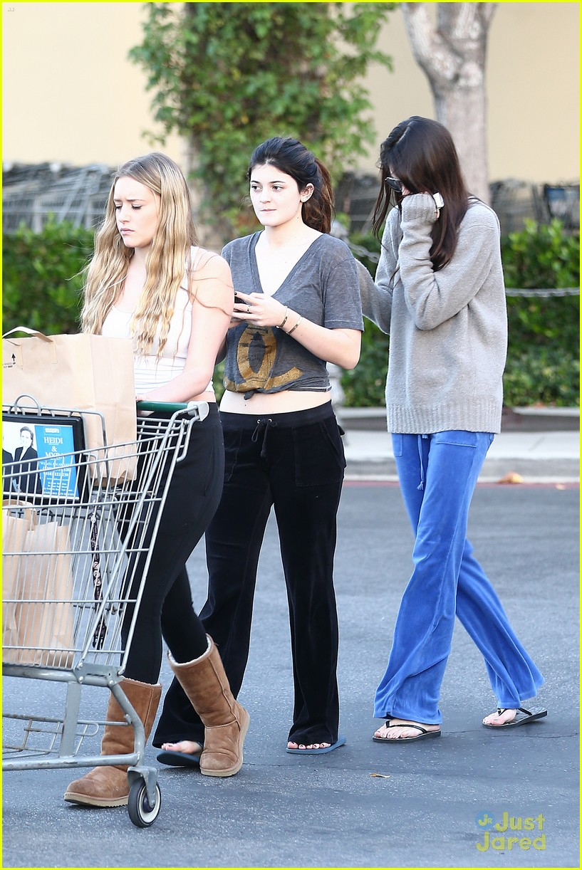 kendall kylie jenner grocery girls 01