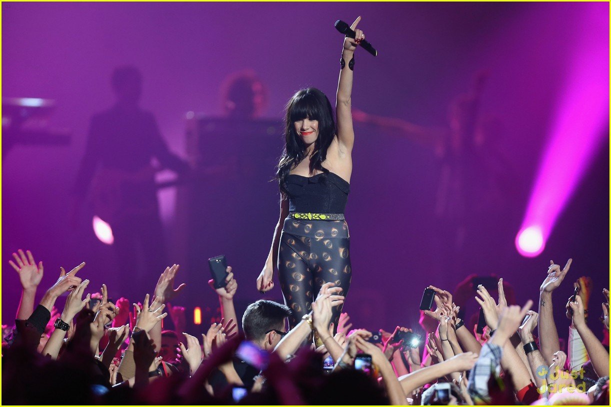 carly rae jepsen mtv emas 06