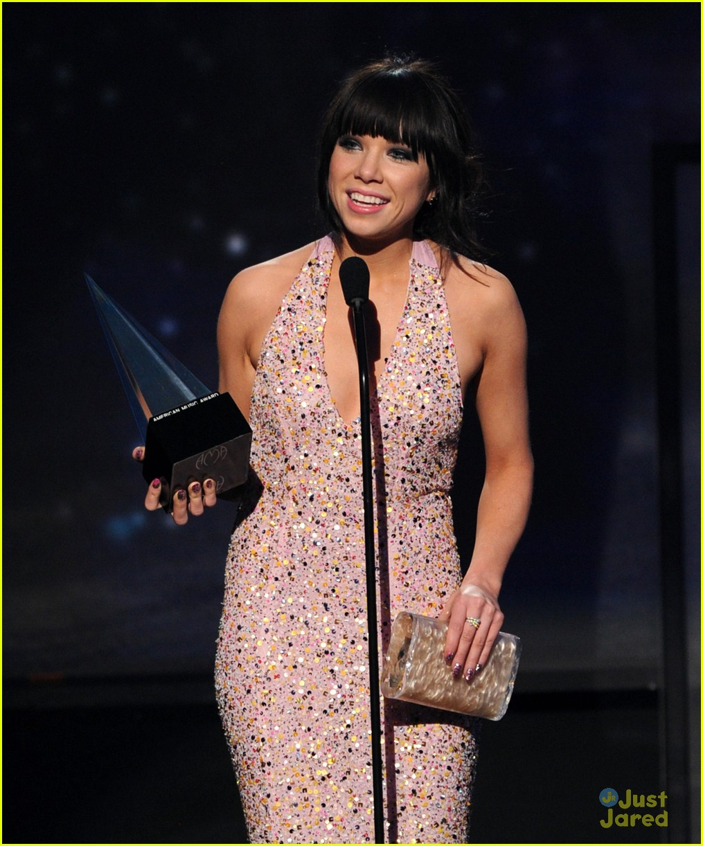 carly rae jepsen fave new artist 09