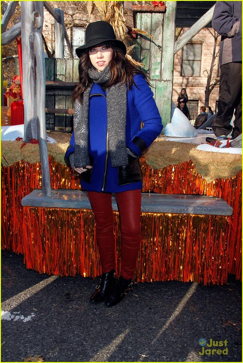 carly rae jepsen thanksgiving parade 12