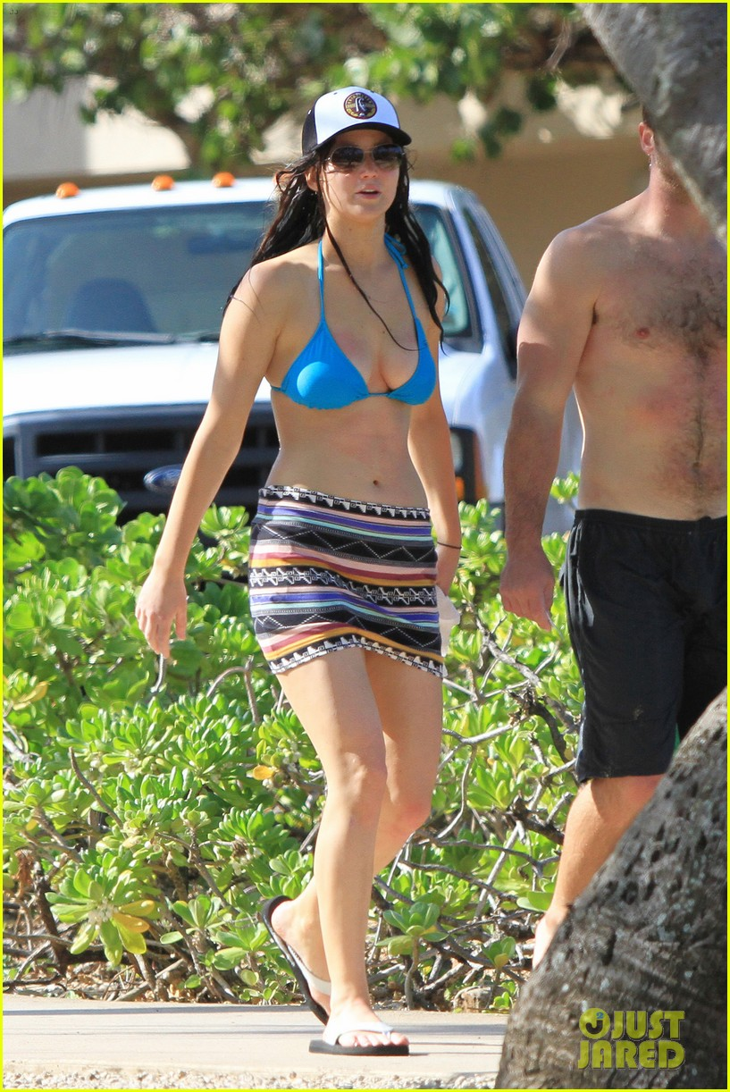 jennifer lawrence holiday in hawaii 16