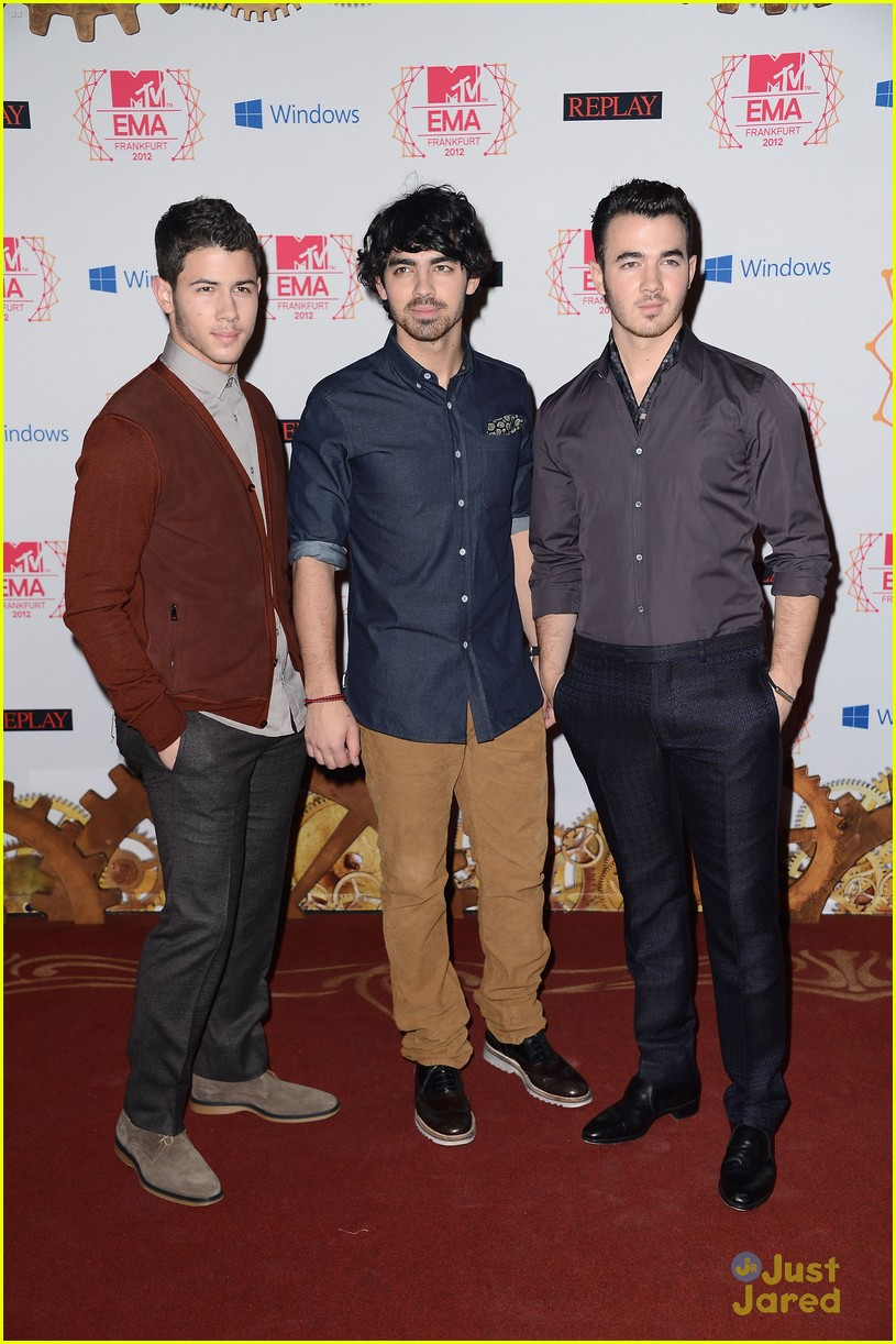 jonas brothers mtv emas 01