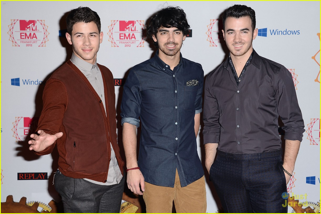jonas brothers mtv emas 03