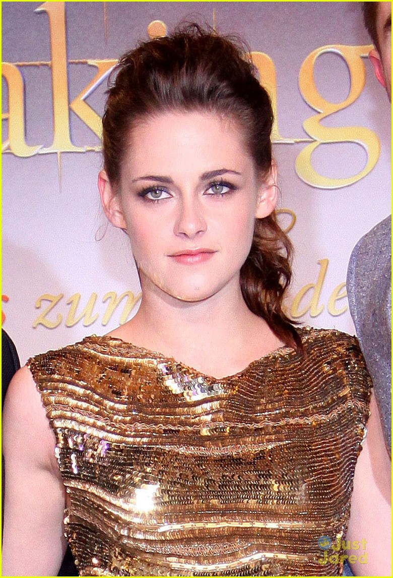 kristen stewart berlin breaking dawn 02