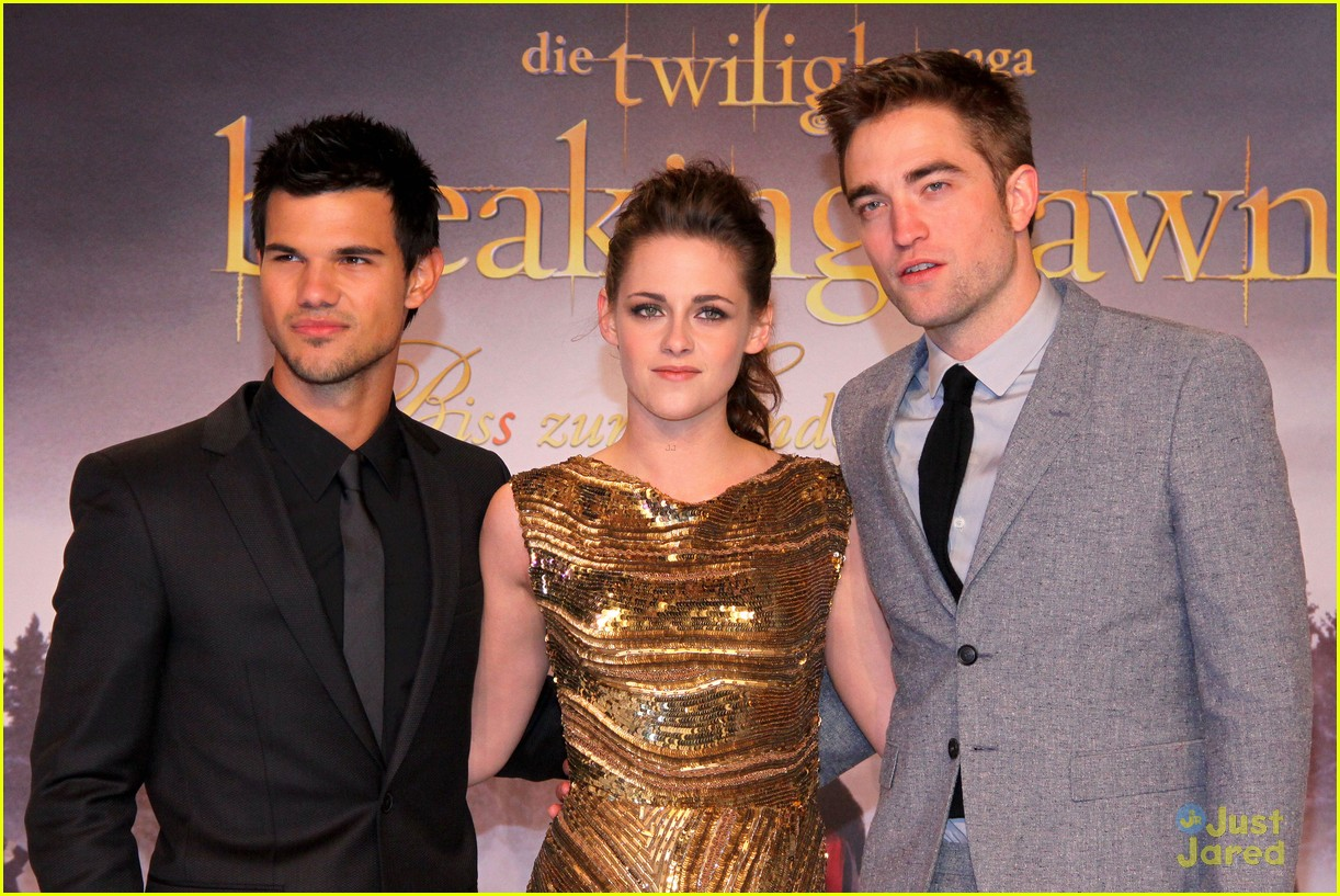 kristen stewart berlin breaking dawn 06
