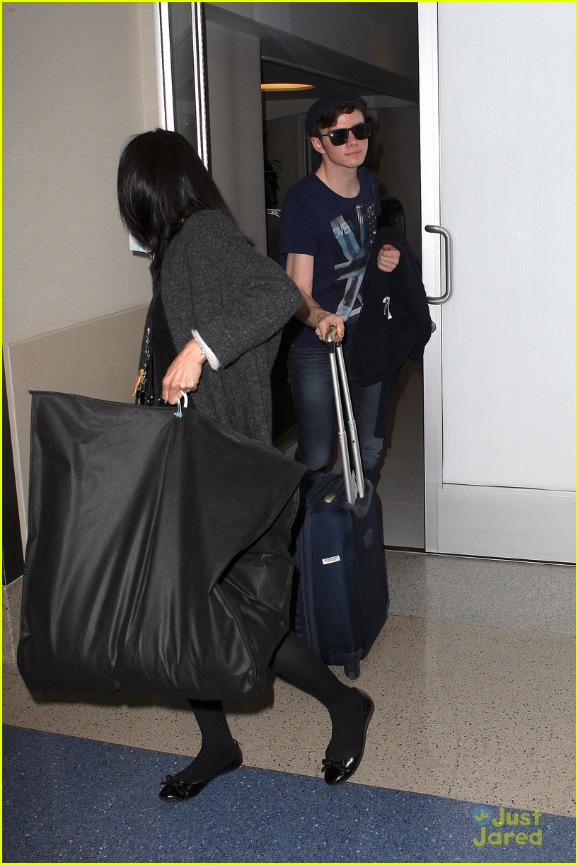 lea michele chris colfer jet to nyc for glee filming 09