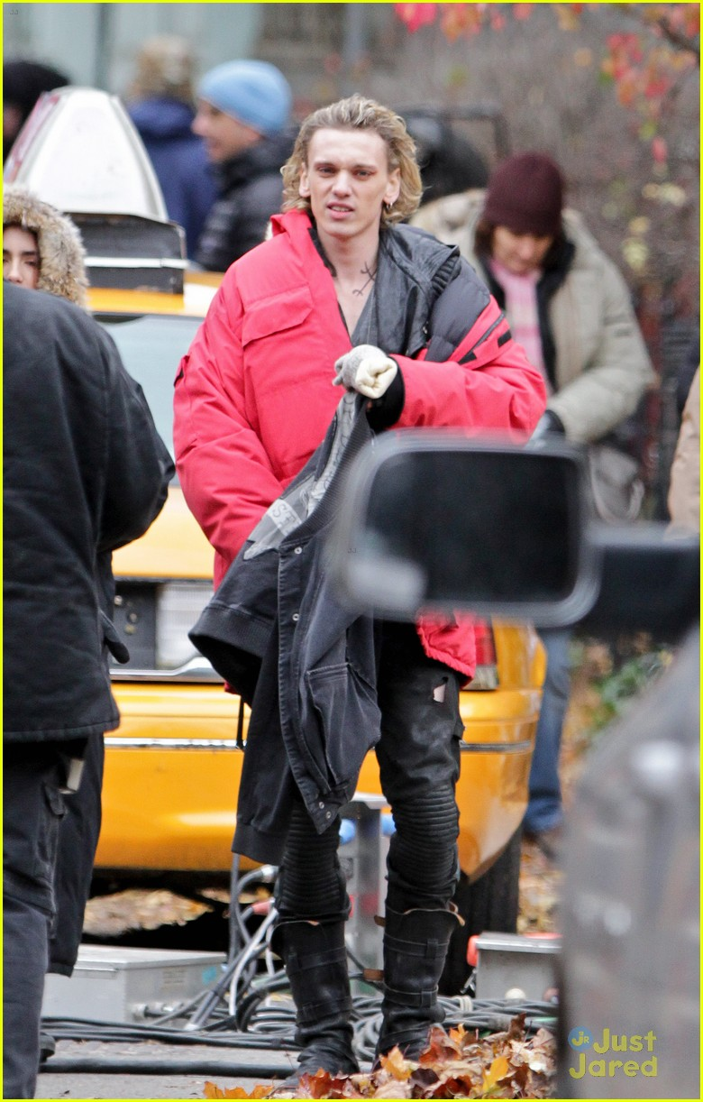 lily collins jamie bower mortal set 06