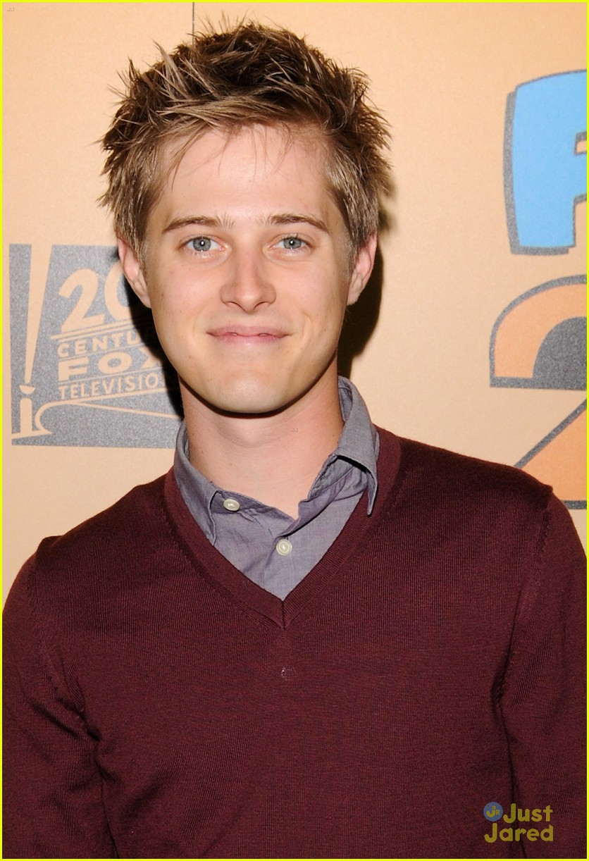 lucas grabeel family guy 10