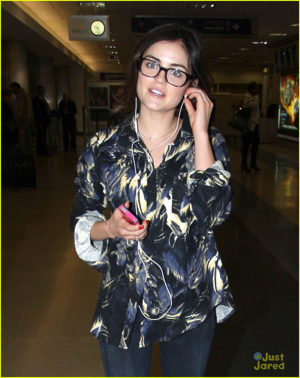 lucy hale lax arrival 09