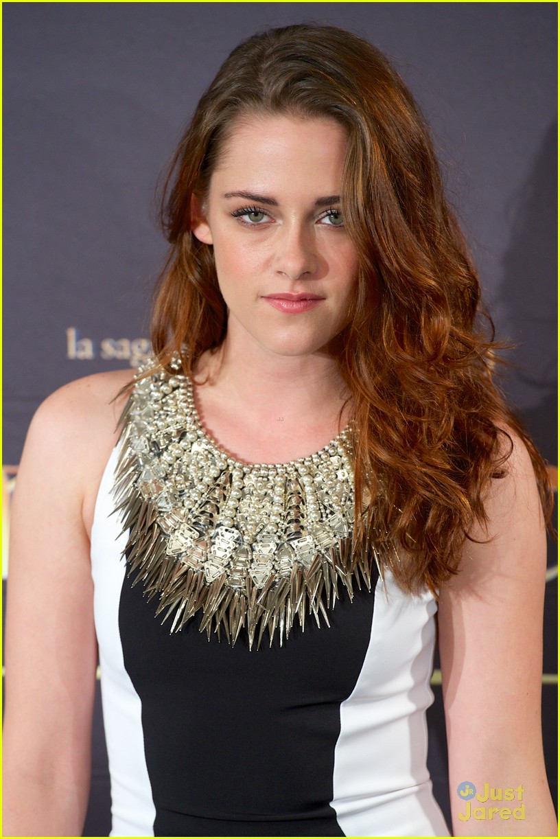 kristen stewart robert pattinson breaking dawn madrid photo call 19