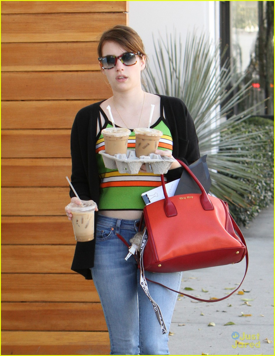 emma roberts iced coffee 04