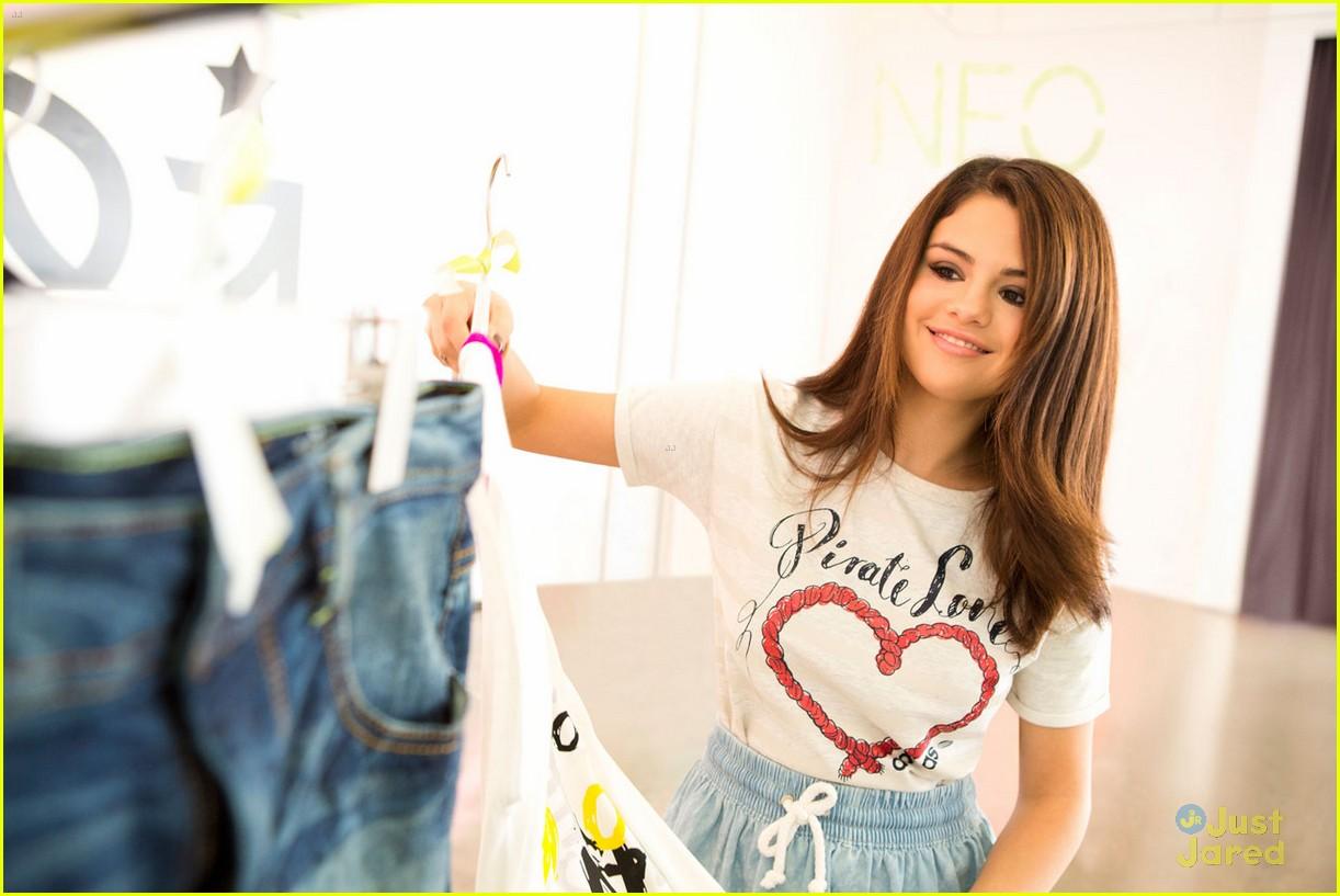 selena gomez adidas neo line 01