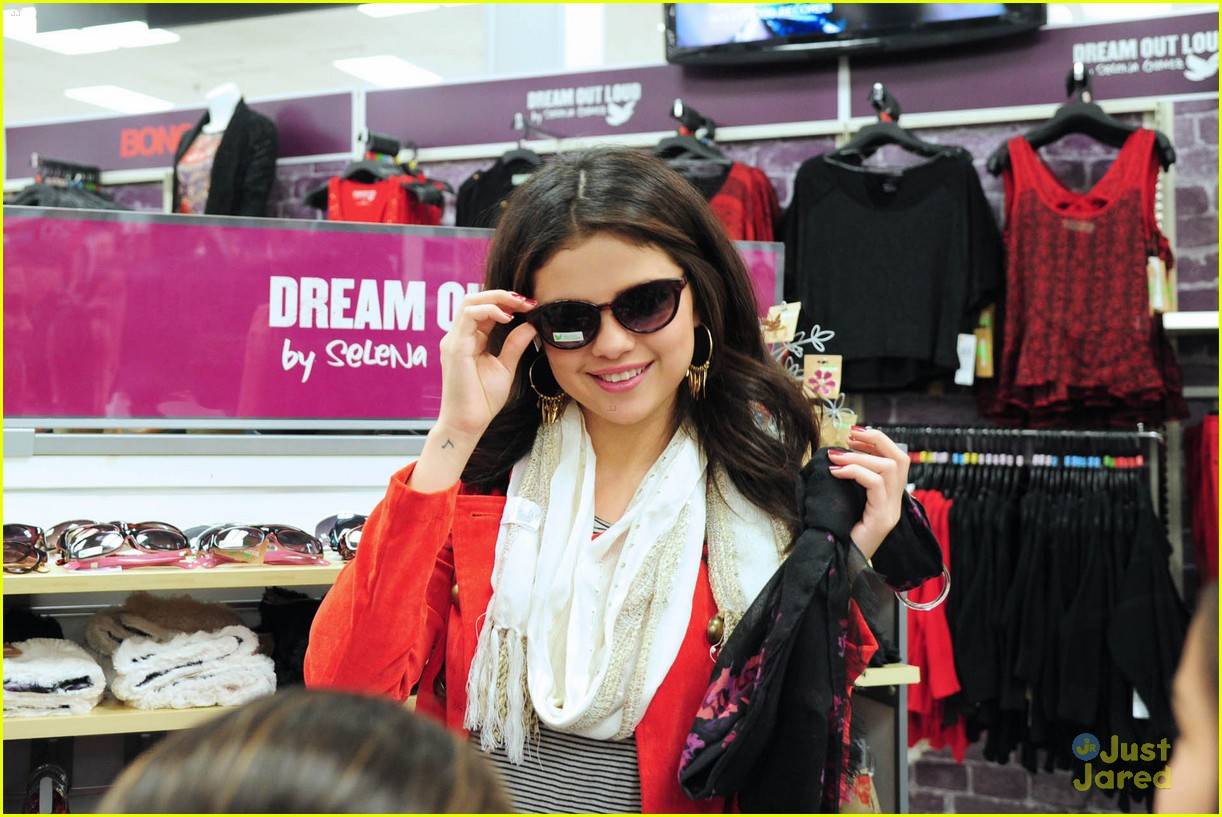 selena gomez kmart white plains 02